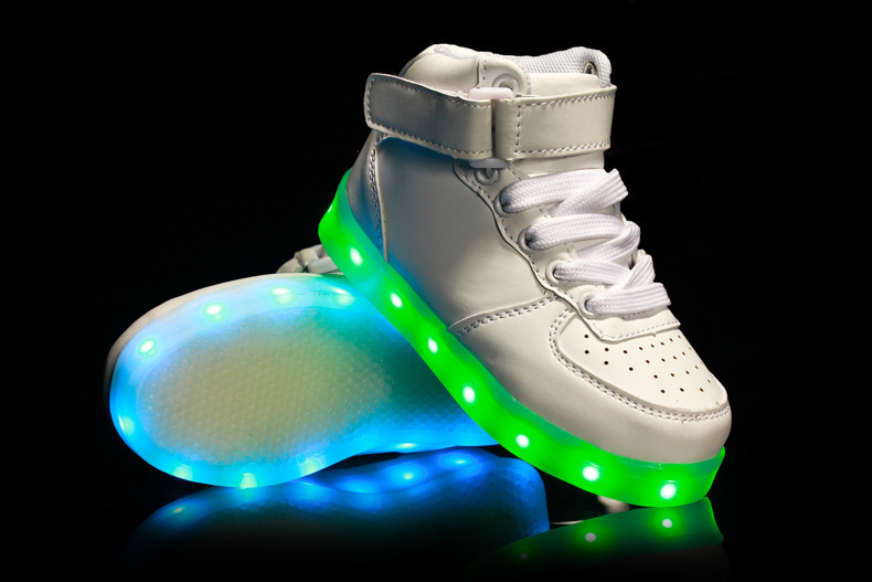 2016 Hot New Spring autumn Kids Sneakers Fashion Luminous Lighted Colorful LED lights Children Shoes Casual Flat Boy girl Shoes children roller sneaker with one wheel led lighted flashing roller skates kids boy girl shoes zapatillas con ruedas