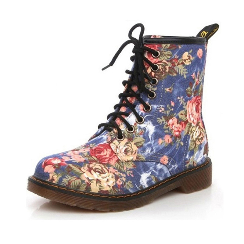 все цены на 2018 Lady Vintage Floral Street Fashion Womens Suede Biker Ankle Trim Flat Ankle Warm Denim Martin Round Toe Boots Lace Up Shoes онлайн