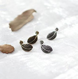 MOQ is $ 15 free shipping retro delicate feather earrings large special