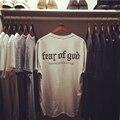 Страх божий Мужчины Женщины Тис Европейский и Американский Стиль Короткие рукава Абрикос Мужчина Футболки Hip Pop Мода Kanye West Мужские Топы