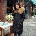 Invierno Jacket Women 2016 Abrigo de Plumón de Pato 20 cm Real Gran Mapache Cuello de Piel Engrosamiento Chaqueta prendas de Vestir Exteriores del Desgaste de la Nieve Femenina marca