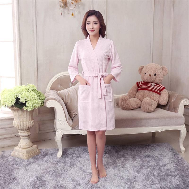 2018 Hot Sale Woman Waffle Robes Woman Cotton Bathrobe Summer And Autumn Femme Sexy Peignoir Sweat Evaporate Woman Bath Robe