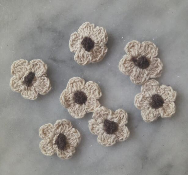 HOT Handmade Flower cotton crochet DIY Patch Iron On Patches Sewing Applique Badges stripe Sticker lace guipure cloth decor in Patches from Home Garden