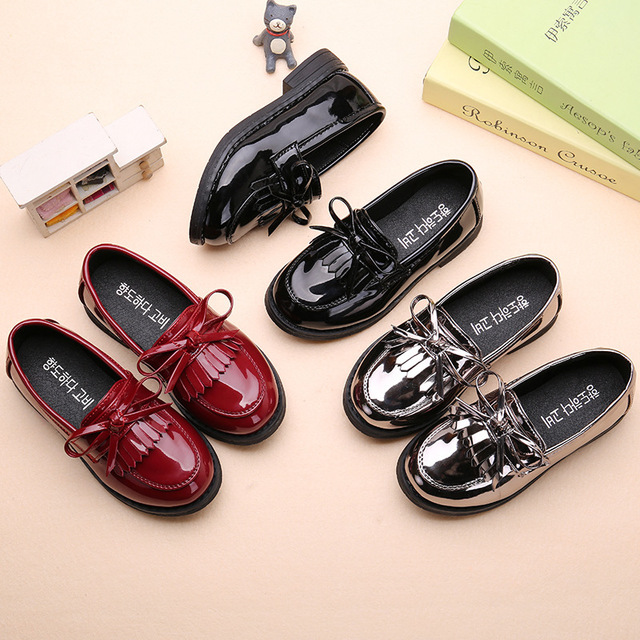 AFDSWG 春と秋の子供王女の靴黒の低ヒールシルバーの靴、学校の靴黒、モカシン子供のための