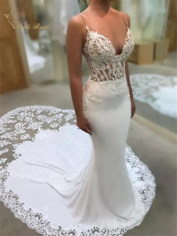 White Spaghetti Straps Mermaid Wedding Dress Lace Appliques Stretch Georgette Court Cut Fishtail Train Bridal Wedding Gowns