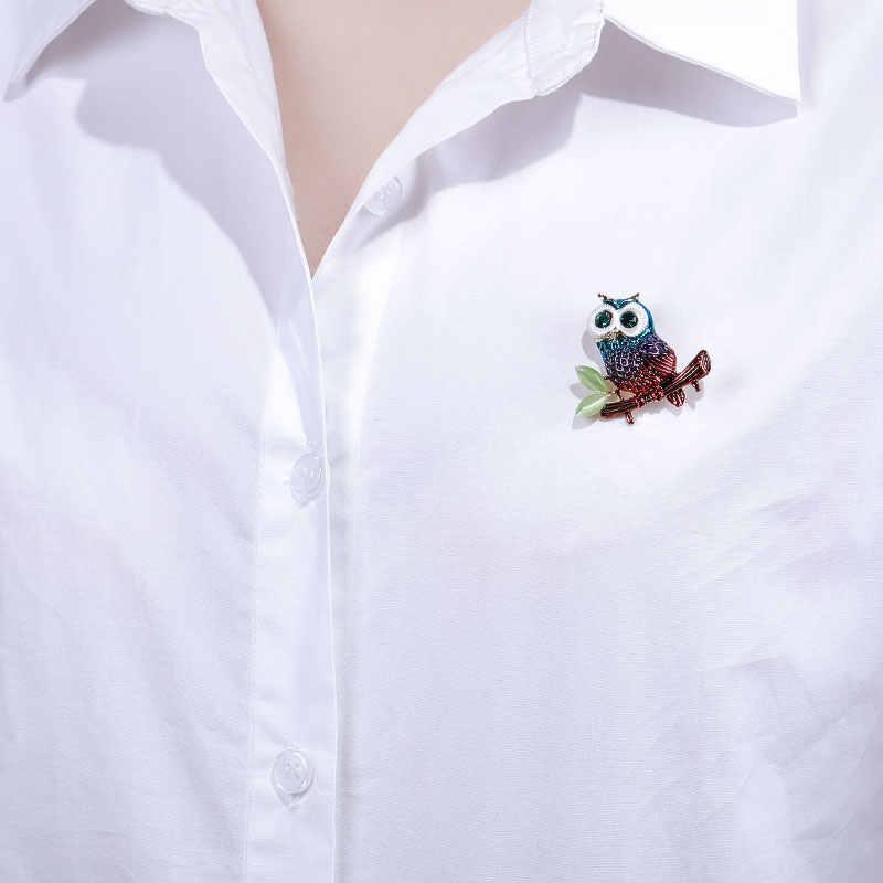 MAIKALE Variopinto Dello Smalto Del Gufo Spilla Spilli Blu Occhi di Cristallo Uccello Spille per Le Donne Camicette Vestito Della Ragazza Pendente Del Sacchetto Accessori Regali