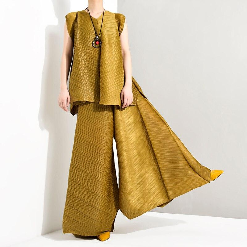 Kadın Giyim'ten Kadın Setleri'de LANMREM 2019 Yaz Yeni Moda Mizaç Kadın Gevşek Artı Casual Pilili kolsuz yelek Gevşek Geniş Bacak Pantolon Takım Elbise TC194'da  Grup 1