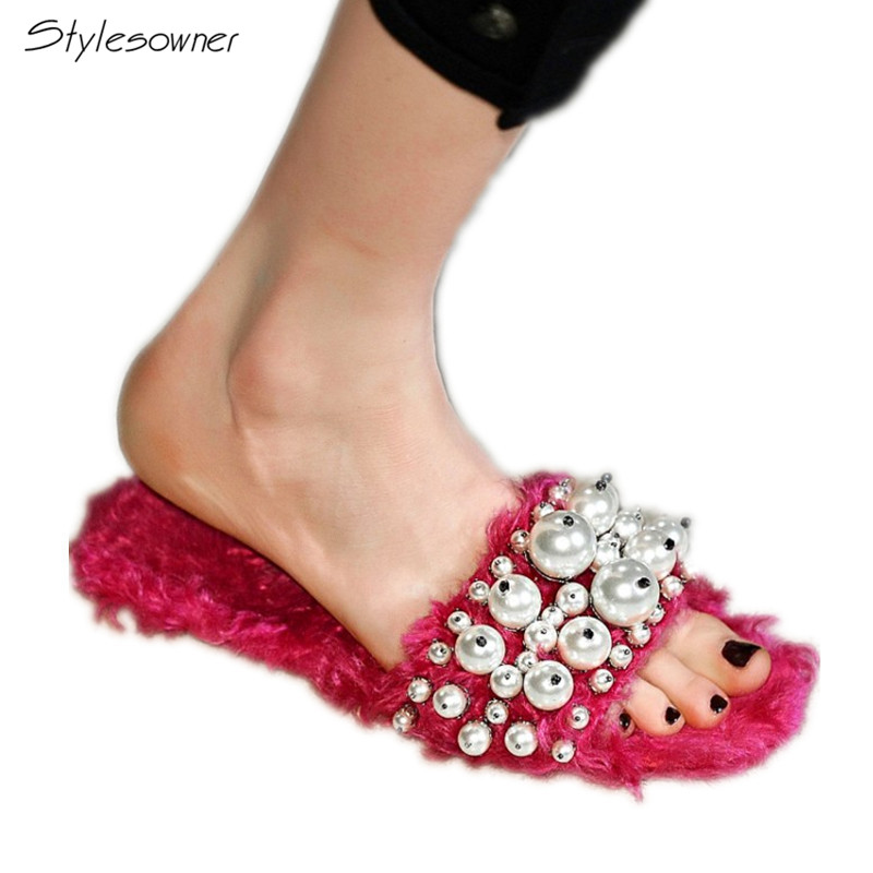 все цены на Stylesowner Amazing Quality 2018 New Arrive Real Wool Fur Slippers Stylesowner Warm Wool Flat Shoes Pearl Decorate Flat Slippers