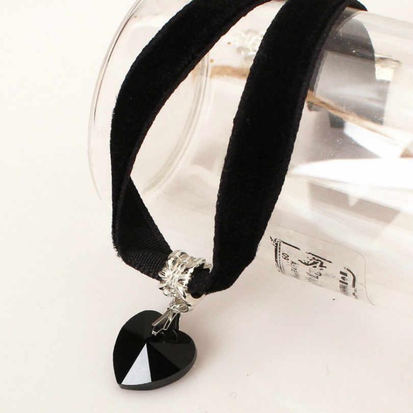 Moda biżuteria kryształowy naszyjnik w kształcie serca koronkowy naszyjnik gotycki czarny aksamitny naszyjnik żeński elegancki wisiorek naszyjnik