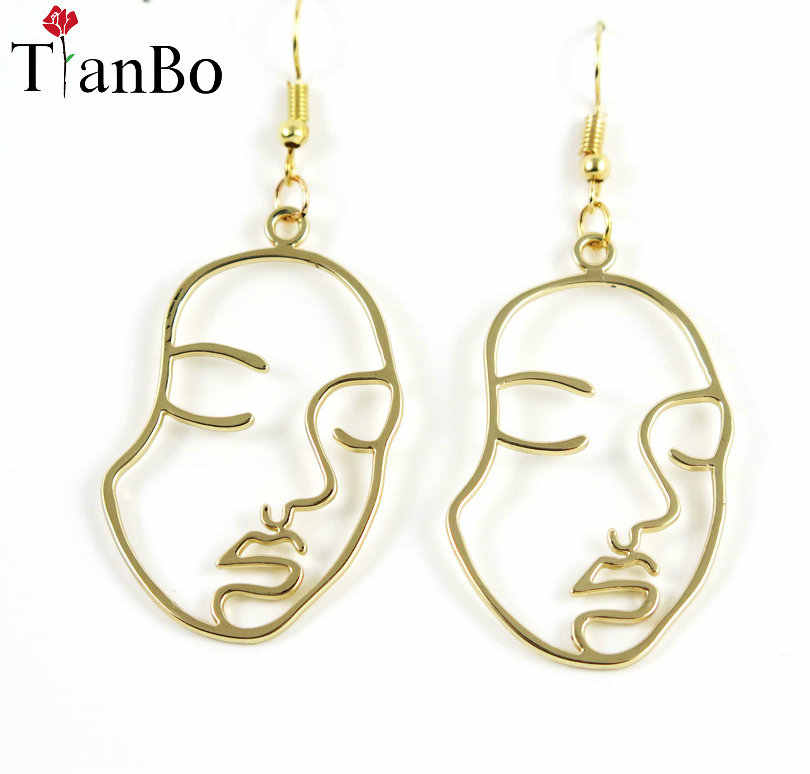 2017 New Arrival Abstract Stylish Hollow Out Face Dangle Earrings Girls Statement Drop Earrings boucles d'oreilles