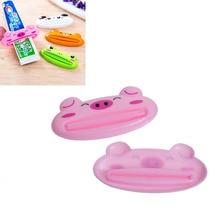 1 Piece Plastic Cartoon Toothpaste Dispenser Cleanser Squeezer Extruder Bathroom Accessories Piggy / Frog / Bear / Panda 9×4.1cm