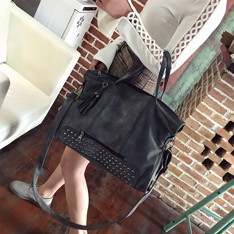 Bag For Women 2018 Large Capacity Lady Rivet Crossbody Bag Motorcycle Rivet Soft Vintage Suede Handbag Studded Punk Shoulder Bag cylinder shaped rivet crossbody bag