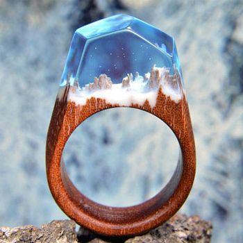 84938972894c De madera artesanales secreto dentro de nieve montaña de madera resina  anillos para las mujeres transparente banda de boda joyería femenina  Dropshipping