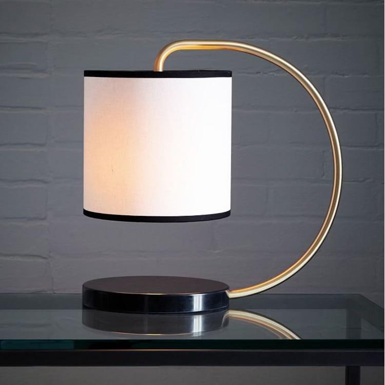 Nordic Современная ткань тени настольные лампы белого небольшой гостиной лампа ресторан кафе спальня лампы настольные лампы декоративные za8247