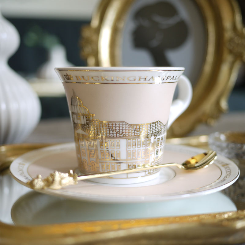 Luxury Tea Cup Nordic Bone Gold Swan Castle Classic Wind Coffee Cup With Saucer Home Decoration Fornasetti Architettura Design