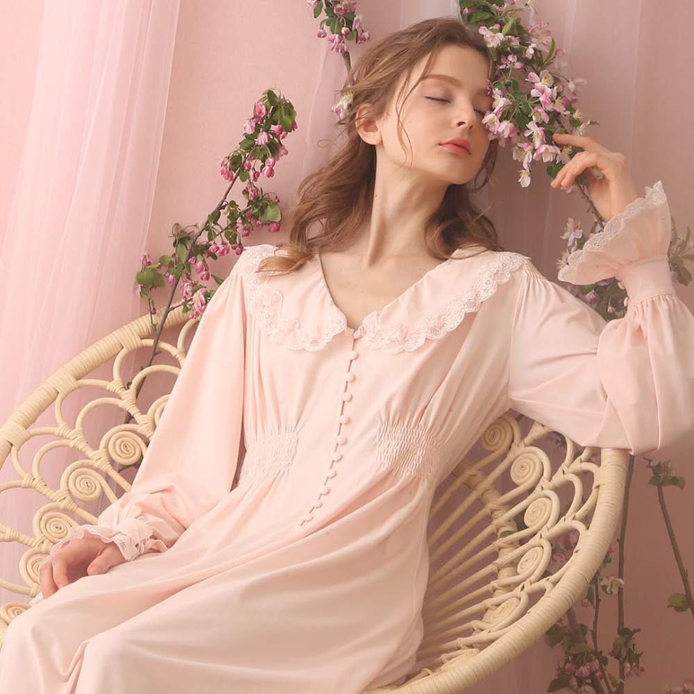 Free Shipping 2017 New Autumn Women s Long Vintage Pijamas Pink and White Nightshirt Lace Royal