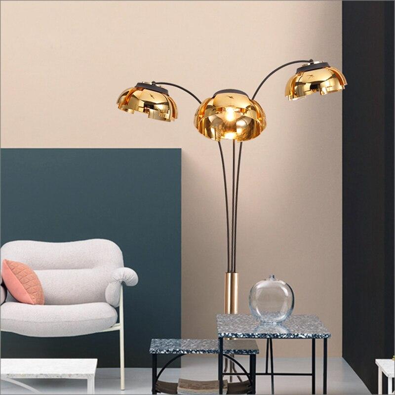 Kreative Einfache Stehleuchte Post Moderne 3 Arm Stehlampe Schwarz Gold  Wohnzimmer Schlafzimmer Neues Design Kunst Dekoration Licht In Kreative  Einfache ...