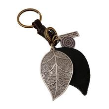 Hot Sale SteamPunk Keychain Fashion Alloy Leaf Key Holder Vintage Leather Key Chain For Women Men Car Styling Keychain Wholesale