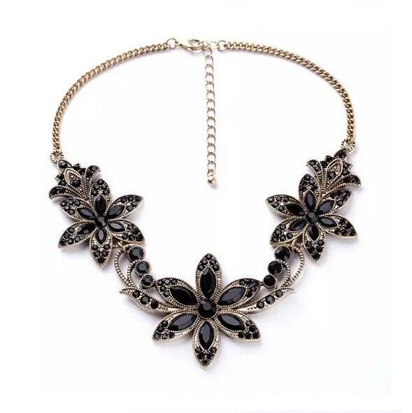Newest Jewelry Luxury Shine Crystal Flower Necklace Punk short Chain Choker Statement Necklaces Pendants Rhinestone false Collar
