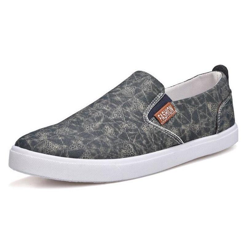 1fd709f34 ECTIC 2018 Nova estudante sapatas de lona menino chegar Moda jovem adult' s  homens Flat shoes deslizamento de sapatilhas sapatos macios mocassins DD  008 em ...