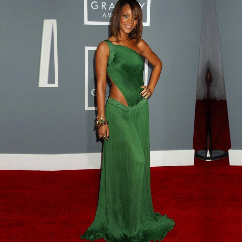 Rihanna-Red-Carpet-Celebrity-Dresses-2015-Sexy-One-Shoulder-Open-Back-Chiffon-Long-Green-Prom-Dress