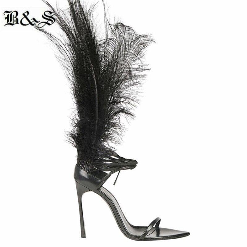 Personnalisez la vraie plume haute T scène mode dames sandales à la main personnalisé sangle croisée bout ouvert sandales à talons hauts