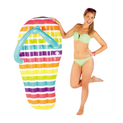 150*75cm Giant Inflatable Stripe Slippers Slice 2017 Flip Flop Pool Float Ride On Water Inflatable Toys Swimming Ring Piscina