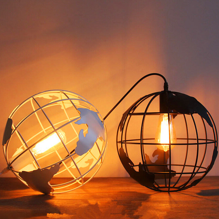 Globe pendant lamp creative restaurant lighting wrought iron pendant lamp cafe round the globe single-head lamps 30cm AC110-240V rh style popular in europe and the creative mall stores chain cafe cafe booth bronzing wrought iron wall lamp