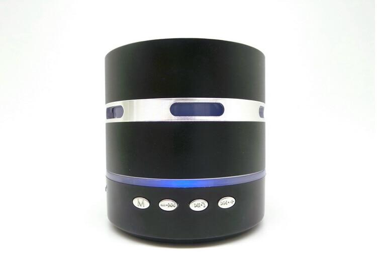 Envío gratis Mini Metal Estéreo portátil altavoz colorido LED - Audio y video portátil - foto 4