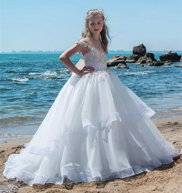 2018 Customized Girls Pageant Gown Capped Sleeves Sheer Neck A Line Organza Lace Applique Beads Long Flower Girls Dresses