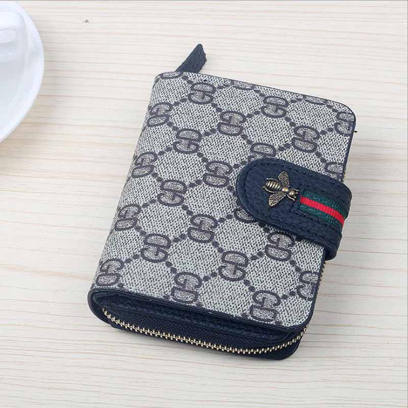 Print Letter Vintage Style Women Short Wallet PU Leather Bee Buckle Girls Credit Card Holder Purse with Coin Zipper Pocket Bag kids letter print pocket tee