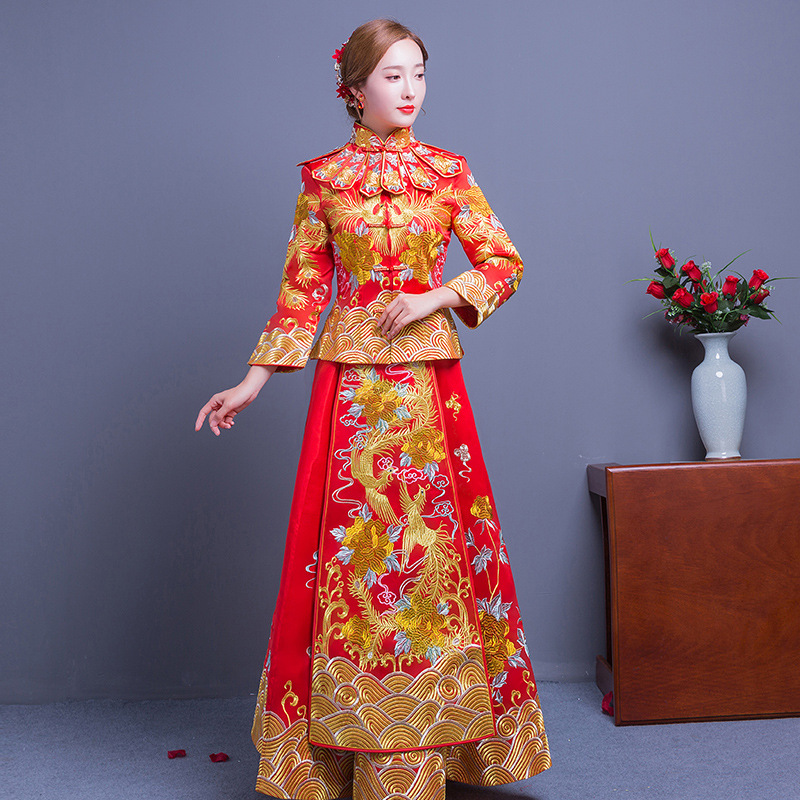 Long Train Cheongsam Chinois Robe Qipao Traditionnelle de mariage Vêtements Top + jupe Costume Ensemble la robe de mariage de style chinois