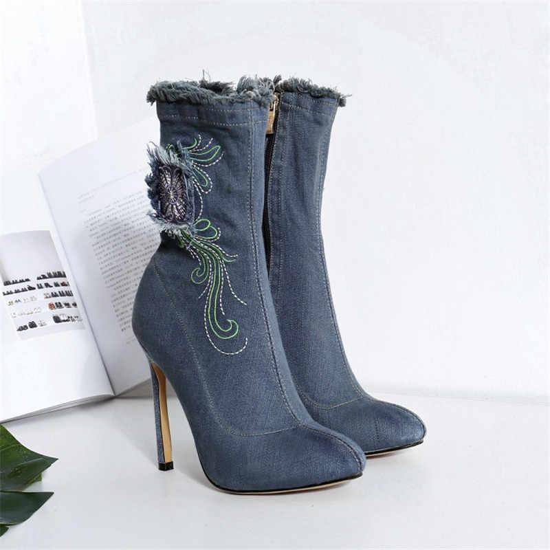 Mavi kot bota feminina 2018 yeni nakış çiçekler bahar yaz ayakkabı kovboy denim yüksek topuklu yarım çizmeler kadınlar için