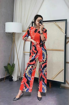 Fashion fold  Seven-quarter sleeve T-shirt + leisure nine points bell-bottomed pants print suit IN STOCK