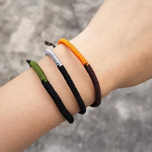Bracelet Bouddhiste Porte Chance Noué À La Main