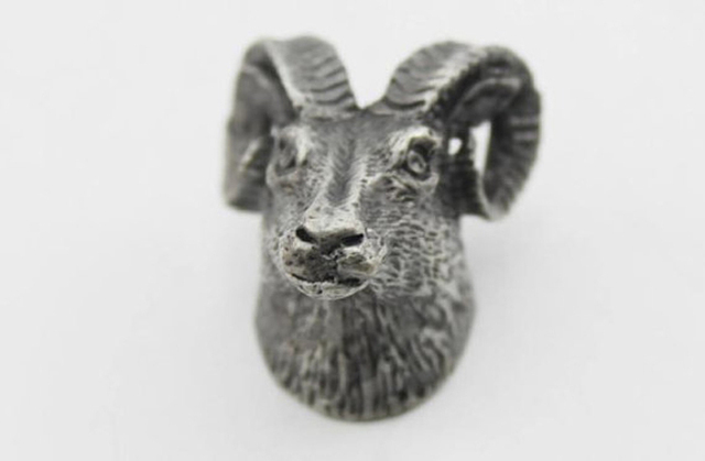 Animal Head Shaped Antique Silvery Pewter Furniture Knobs