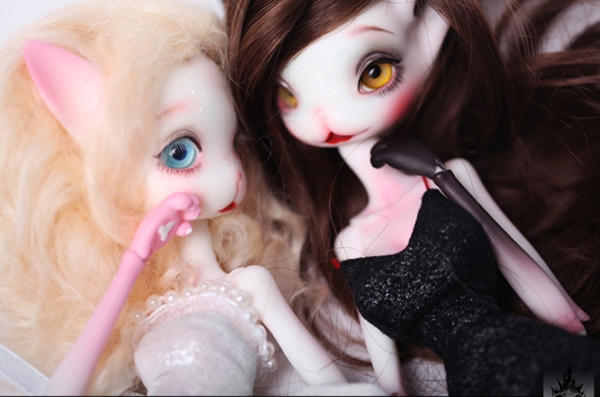 HeHeBJD Catwoman Madeline bjd sd doll size 32cm resin figures two pair of resin shoes free shipping