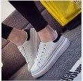 2017 Mujeres Casual Zapatos inferiores gruesos zapatos blancos De Charol Diseñador de Las Mujeres Planas Zapatos Cómodos Antideslizantes Zapatos de Las Mujeres