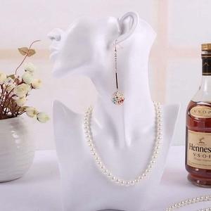Image 2 - Buste de bijoux en résine pour boucle doreille collier bijoux présentoir titulaire de haute qualité en gros