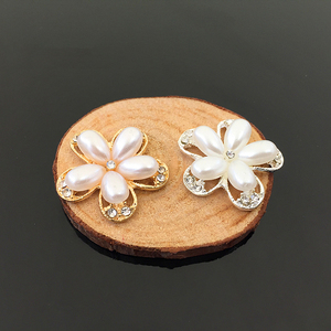 50pcs Flower Pearl Stones Crys