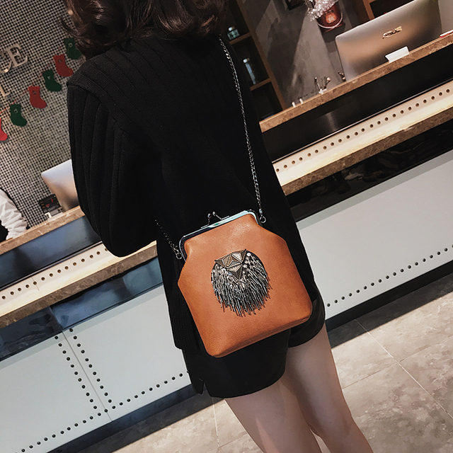 HANEROU Messenger Bags for Women PU Leather Tassel Fashion Frame Bag 2018 New Arrival INS Style Crossbody Chains Shoulder Bags 4