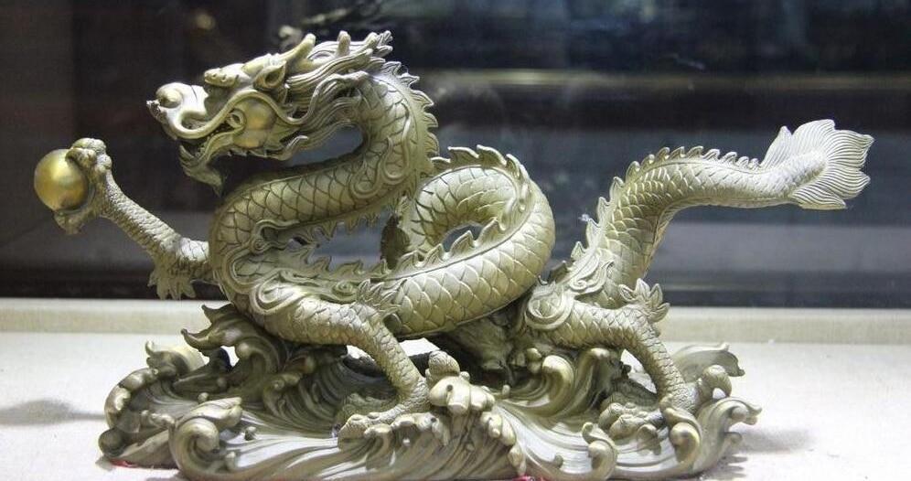 Statue de Dragon chanceux de perle de jeu de Dragon de cuivre de laiton de Fengshui d'animal du zodiaque de la chine