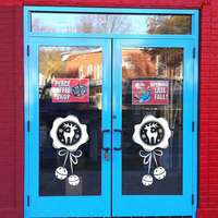 2 Modelli/PC 15x27 e 27x49 Sika Cervi del Fiocco di Neve Bells Glass Window Sticker di Natale A Casa decorazione Camera Dei Bambini Soggiorno Ornamento