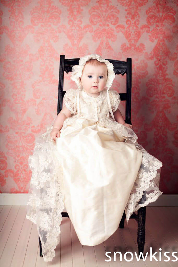 White/Ivory First Communion Dresses 2016 New Lace Baby Girl Christening Gown with bonnet Baptism Dress 2016 appliques lace baby girl white ivory a line first communion dresses christening gown baptism dress with bonnet and cape
