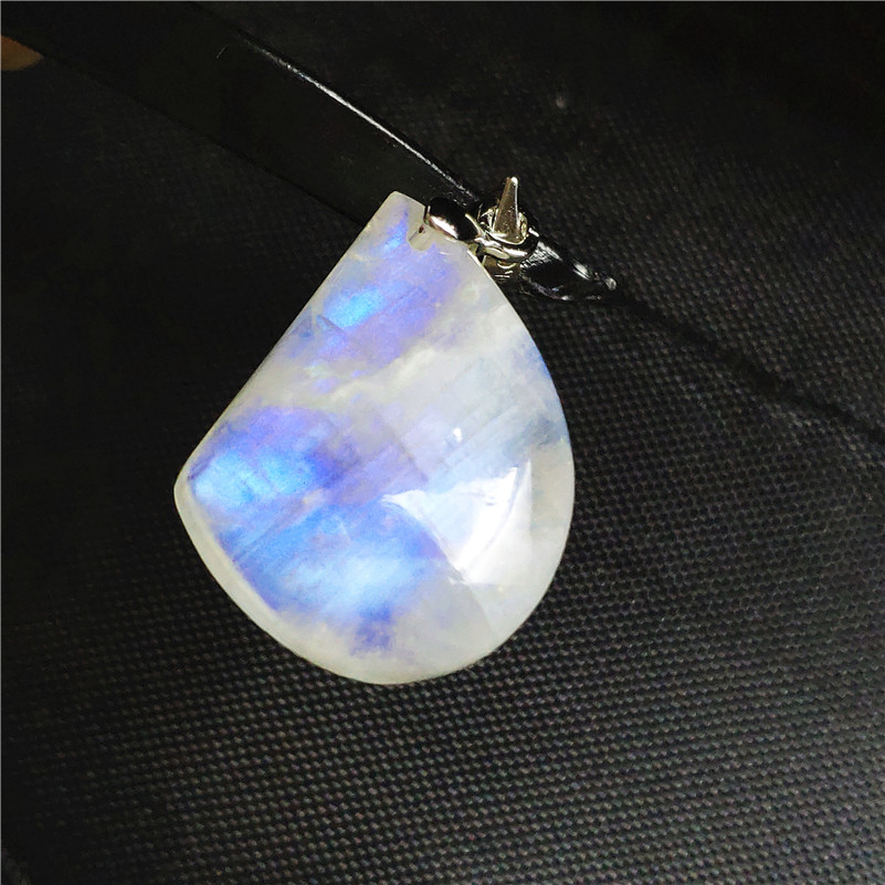 Natural Moonstone Necklace Pendant Water Drop Stone Women Men Anniversary Party Love Gift 24x19x7mm 925 Silver Crystal PendantNatural Moonstone Necklace Pendant Water Drop Stone Women Men Anniversary Party Love Gift 24x19x7mm 925 Silver Crystal Pendant