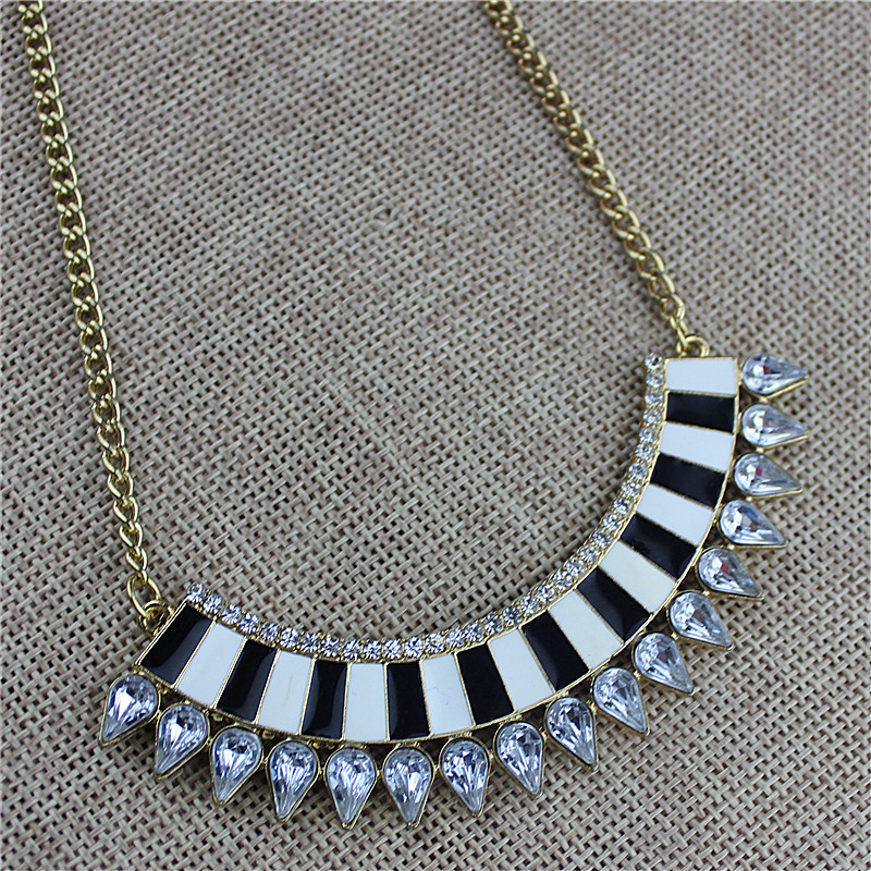 Hot new popular female jewelry wholesale, girls birthday party, beautiful noble Pendant Necklace, Gift agent shipping