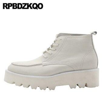 Botines Blanco Tobillo Zapatos Altos únicos Hombres Piel De Granos Botas Caer Cuña Ata Para Arriba Suela Gruesa Cima Mas Alta Corto Europeo Plataforma Tacón Alto Moda Calzado Cómodo Masculino