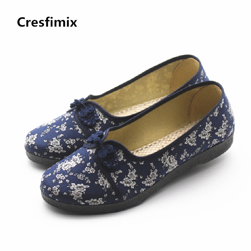Cresfimix sapatos femininas women casual retro floral dance flat shoes lady soft & comfortable outside shoes woman cloth shoes vintage embroidery women flats chinese floral canvas embroidered shoes national old beijing cloth single dance soft flats
