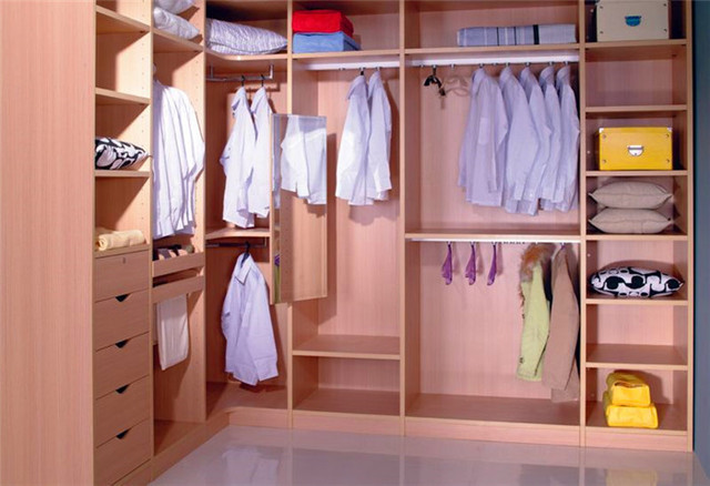 L shape walk in closet wardrobe design in wardrobes from for Walking closet modernos pequenos