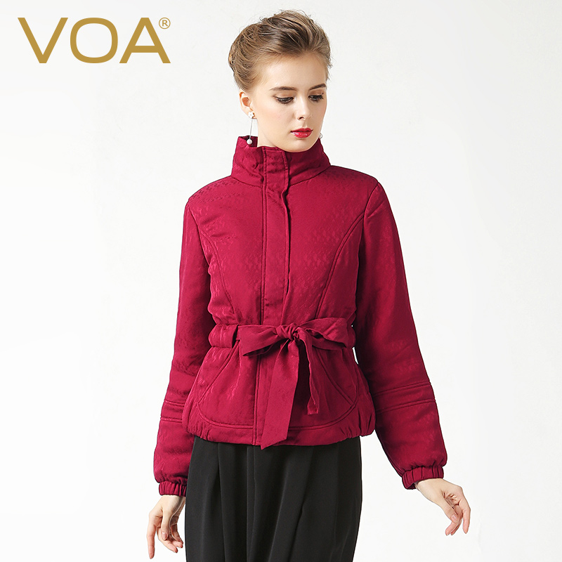 VOA 2017 Fall Winter Chinese Red Silk Jacquard Casual Basic Parka Coat Plus Size Belt Women Warm Quilted Cotton Jacket M630 voa 2017 autumn winter new fashion women slim short jacket white brief casual long sleeve print silk jacquard coat m6137